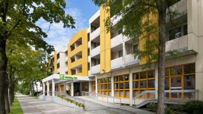 Holiday Inn, Munich, facilities include health/fitness centre and indoor pool.