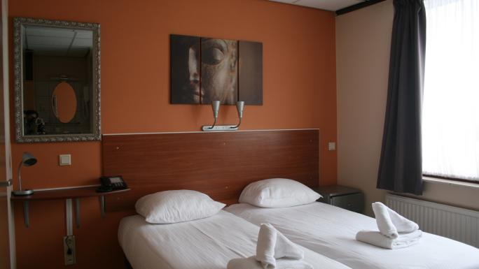 A twin room at the friendly Zorn Hotel Duinlust, Noordwijk.