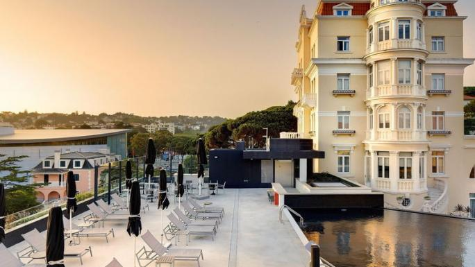 Charming yet contemporary: the Hotel Inglaterra in Estoril.