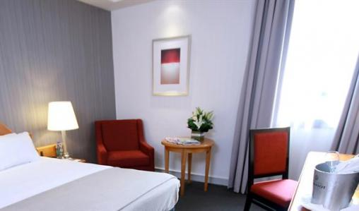 A comfortable room at the centrally located Travelodge Southbank Melbourne.