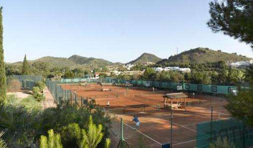The tennis facilities at La Manga are always popular with our groups.