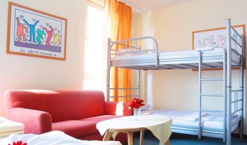 All twin rooms at Heidelberg Youth Hostel have an en-suite.