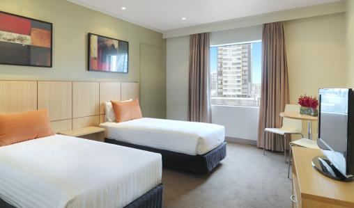 Travelodge Southbank Melbourne is minutes from the city's cricket ground.