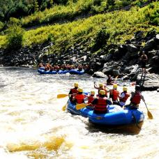 Go rafting in the picturesque Kelani River, covering five major rapids and four minor rapids.